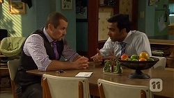 Toadie Rebecchi, Ajay Kapoor in Neighbours Episode 6629