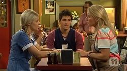 Amber Turner, Chris Pappas, Lauren Turner in Neighbours Episode 6629