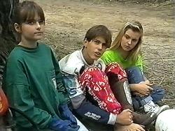 Cody Willis, Todd Landers, Melissa Jarrett in Neighbours Episode 1186