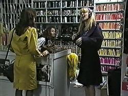Caroline Alessi, Melanie Pearson in Neighbours Episode 1187