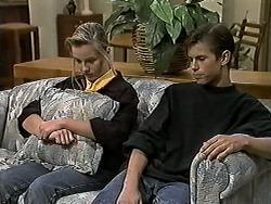 Melissa Jarrett, Todd Landers in Neighbours Episode 1187