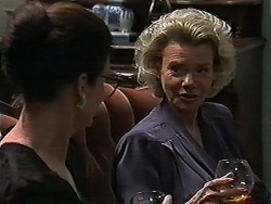 Dorothy Burke, Helen Daniels in Neighbours Episode 1189