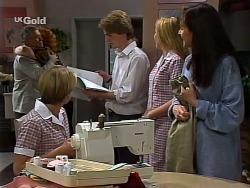 Lou Carpenter, Cheryl Stark, Danni Stark, Brett Stark, Libby Kennedy, Susan Kennedy in Neighbours Episode 2273