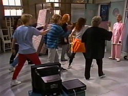 Danni Stark, Billy Kennedy, Ren Gottlieb, Cody Willis, Marlene Kratz, Helen Daniels in Neighbours Episode 2273