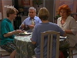 Brett Stark, Lou Carpenter, Danni Stark, Cheryl Stark in Neighbours Episode 2274