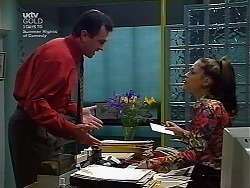 Karl Kennedy, Sarah Beaumont in Neighbours Episode 3038