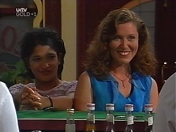 Sal Phillips, Kylie Roberts in Neighbours Episode 3100