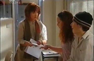 Susan Kennedy, Serena Bishop, Stingray Timmins in Neighbours Episode 4467