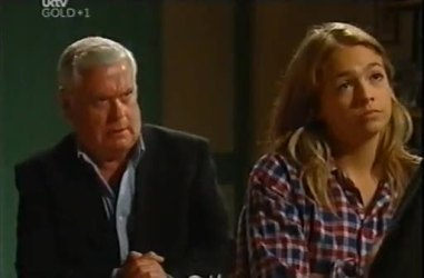 Lou Carpenter, Sky Mangel in Neighbours Episode 4471