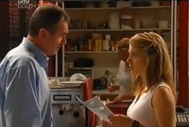 Karl Kennedy, Izzy Hoyland in Neighbours Episode 4472