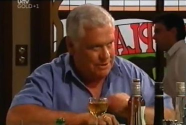 Lou Carpenter in Neighbours Episode 4472