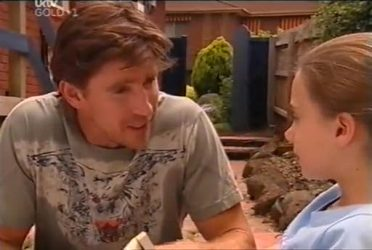 Gus Cleary, Summer Hoyland in Neighbours Episode 4472
