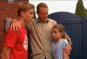 Boyd Hoyland, Max Hoyland, Summer Hoyland in Neighbours Episode 4472