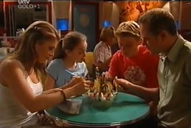 Izzy Hoyland, Summer Hoyland, Boyd Hoyland, Max Hoyland in Neighbours Episode 4472