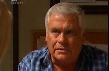 Lou Carpenter in Neighbours Episode 4481