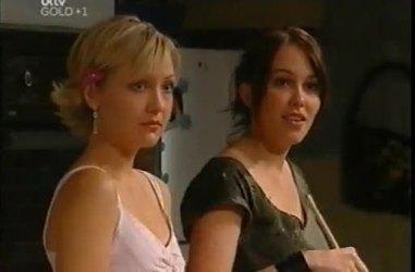 Sindi Watts, Libby Kennedy in Neighbours Episode 4481