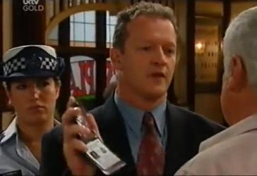 Detective Rick Cole, Lou Carpenter in Neighbours Episode 4485