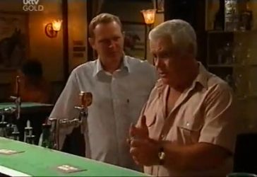 Max Hoyland, Lou Carpenter in Neighbours Episode 4485