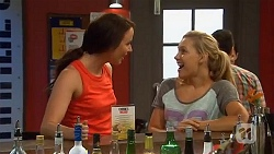 Kate Ramsay, Georgia Brooks in Neighbours Episode 6632