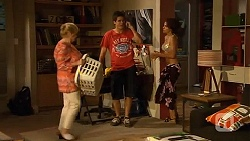 Sheila Canning, Chris Pappas, Rhiannon Bates in Neighbours Episode 6635