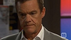 Paul Robinson in Neighbours Episode 6635