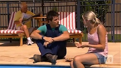Lou Carpenter, Chris Pappas, Amber Turner in Neighbours Episode 6637