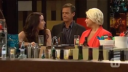 Kate Ramsay, Paul Robinson, Lucy Robinson in Neighbours Episode 6637