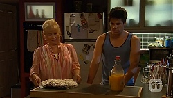 Sheila Canning, Chris Pappas in Neighbours Episode 6638