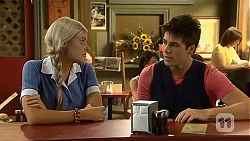 Amber Turner, Chris Pappas in Neighbours Episode 6638