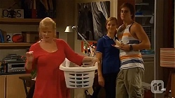 Sheila Canning, Georgia Brooks, Kyle Canning in Neighbours Episode 6643