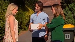 Lauren Turner, Brad Willis, Terese Willis in Neighbours Episode 6648
