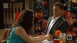 Kate Ramsay, Paul Robinson in Neighbours Episode 6652