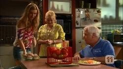 Georgia Brooks, Sheila Canning, Lou Carpenter in Neighbours Episode 6656