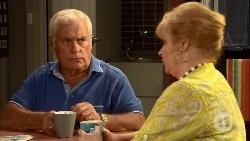 Lou Carpenter, Sheila Canning in Neighbours Episode 6656