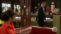 Caroline Perkins, Paul Robinson, Sheila Canning in Neighbours Episode 6661