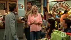 Paul Robinson, Matt Turner, Lauren Turner, Vanessa Villante, Lucas Fitzgerald in Neighbours Episode 6661