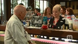 Dave (Fake Walter), Sheila Canning in Neighbours Episode 6666