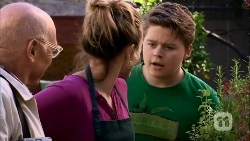 Dave (Fake Walter), Sonya Mitchell, Callum Jones in Neighbours Episode 6667