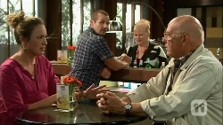 Sonya Mitchell, Toadie Rebecchi, Sheila Canning, Dave (Fake Walter) in Neighbours Episode 6667
