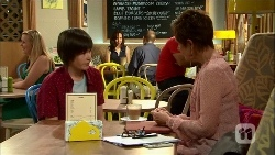 Bailey Turner, Susan Kennedy in Neighbours Episode 6667