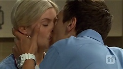 Amber Turner, Josh Willis in Neighbours Episode 6670