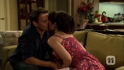 Lucas Fitzgerald, Vanessa Villante in Neighbours Episode 6671