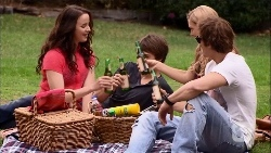 Kate Ramsay, Mason Turner, Georgia Brooks, Kyle Canning in Neighbours Episode 6671