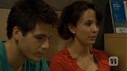 Chris Pappas, Vanessa Villante in Neighbours Episode 6674