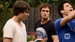Mason Turner, Kyle Canning, Chris Pappas in Neighbours Episode 6676