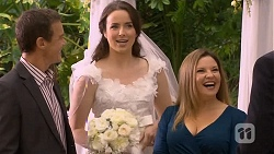 Paul Robinson, Kate Ramsay, Terese Willis in Neighbours Episode 6678