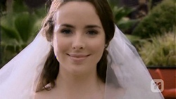 Kate Ramsay in Neighbours Episode 6679