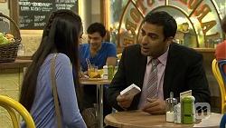 Rani Kapoor, Ajay Kapoor in Neighbours Episode 6679
