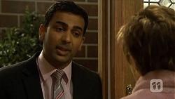 Ajay Kapoor, Susan Kennedy in Neighbours Episode 6679