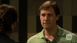 Brad Willis, Don Cotter in Neighbours Episode 6682